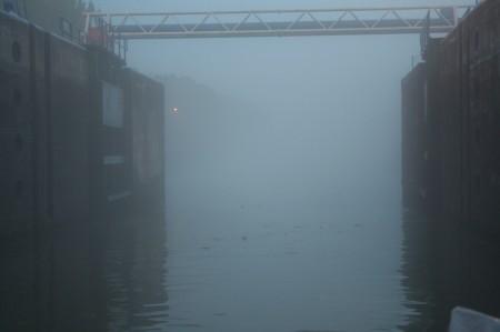 écluse, brouillard
