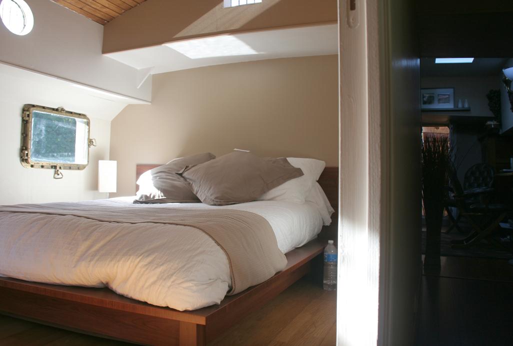 transformer un bateau de commerce kairos peniche. Black Bedroom Furniture Sets. Home Design Ideas