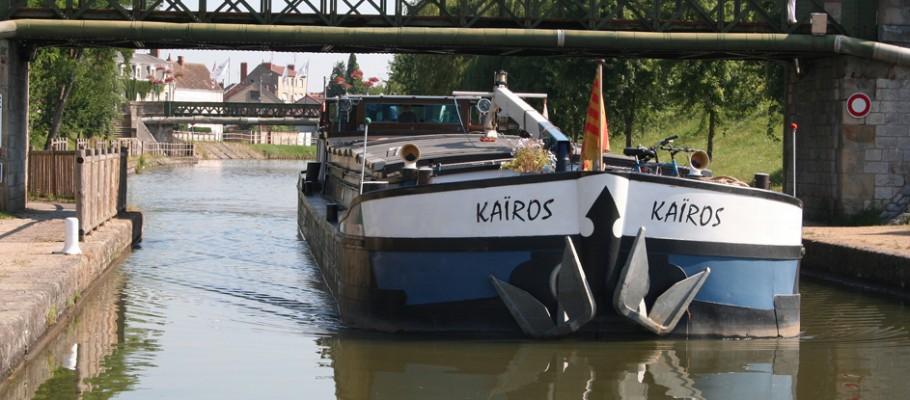 Navigation au long cours d'eau
