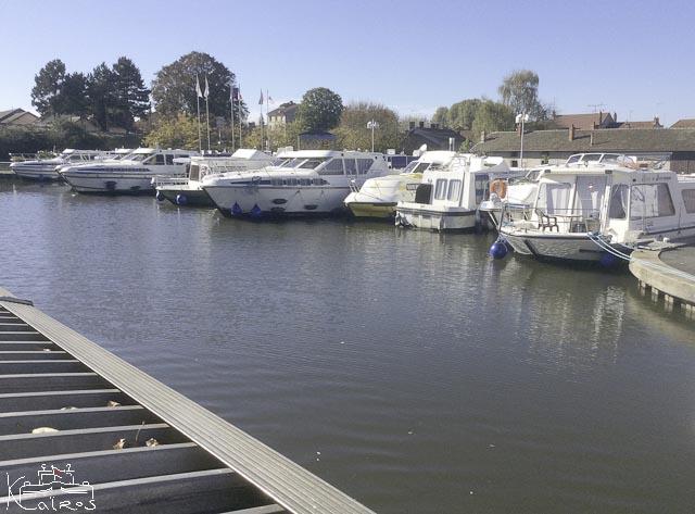 loueurs de bateaux fluviaux