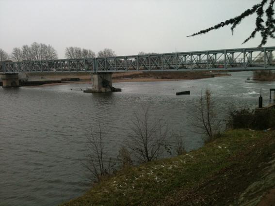 Barrage sur la Loire Roanne péniche Kaïros