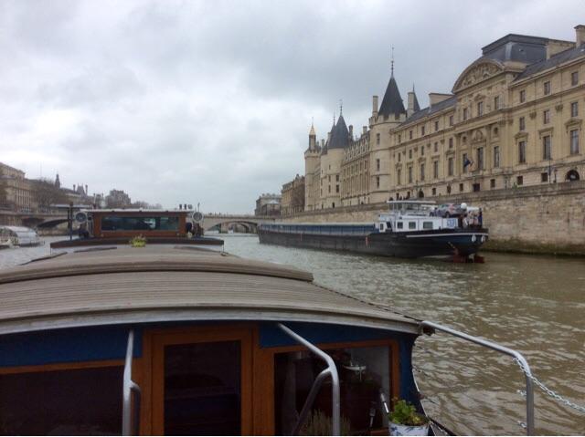 Paris peniche Kaïros
