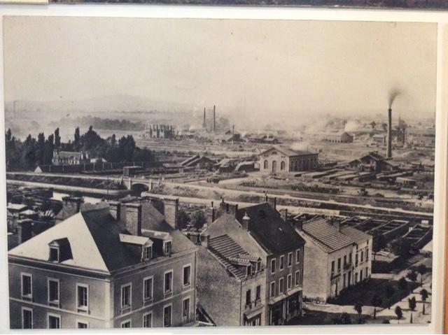 Quand le canal du centre vivait au rythme du charbon for Piscine montceau les mines