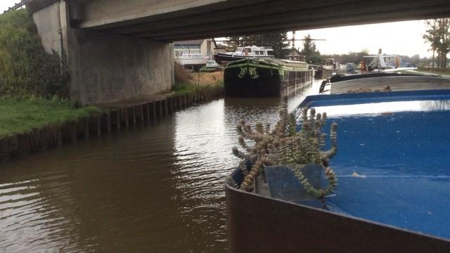 Canal latéral à la Loire Peniche Kairos