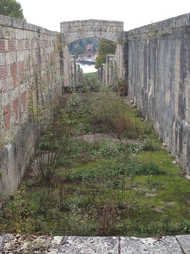 Ancien canal Rogny peniche kairos